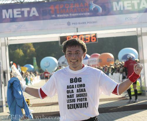 Bartosz Nosal z drużyny Polska Biega na mecie 11.Poznań Maratonu. Nic dodać, nic ująć...