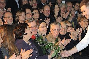 To się nazywa mieć szczęście. Na premierę nowego spektaklu w teatrze Imka, który należy do Tomasza Karolaka przybyli Bronisław i Anna Komorowscy.