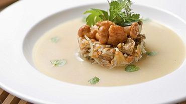 Zupa z kurek i wędzonej szynki