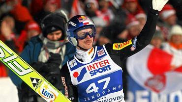 Adam Małysz podczas wygranych zawodów Pucharu Świata w Zakopanem