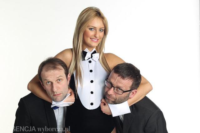 Rafał Rutkowski (od lewej) i Maciej Łubieński (autor 'Seksu polskiego') oraz tajemniczy Króliczek
