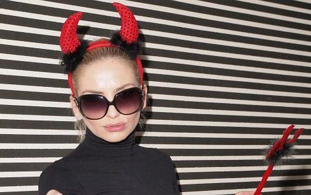 Na prezentacji wiosennej ramówki Polsat Play w warszawskiej restauracji Amadera Maja Frykowska wystąpiła w roli diablicy. Na kameralnym spotkaniu zjawiły się gwiazdy stacji, a wśród nich m.in. Magda Modra i Michael Moritz, którzy dotrzymywali towarzystwa