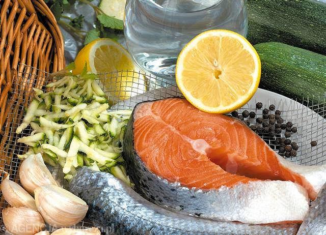 Łosoś - źródło białka i kwasów omega3 czy trucizna?