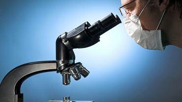 Analiza materiału pobranego od pacjenta pozwala niejednokrotnie wykryć schorzenia, które jeszcze nie dają wyraźnych objawów