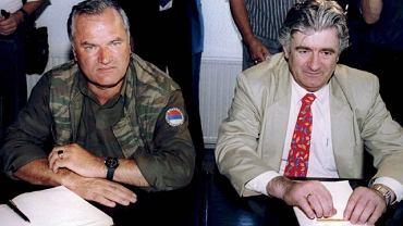Generał Ratko Mladić (po lewej) i Radovan Karadzić (ujęty wcześniej)