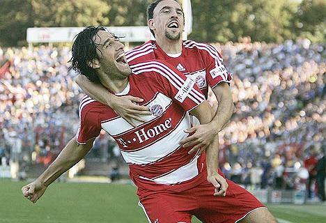 """Luca Toni chce transferu Lewandowskiego. """"Tak jak zrobił to Ronaldo"""""""