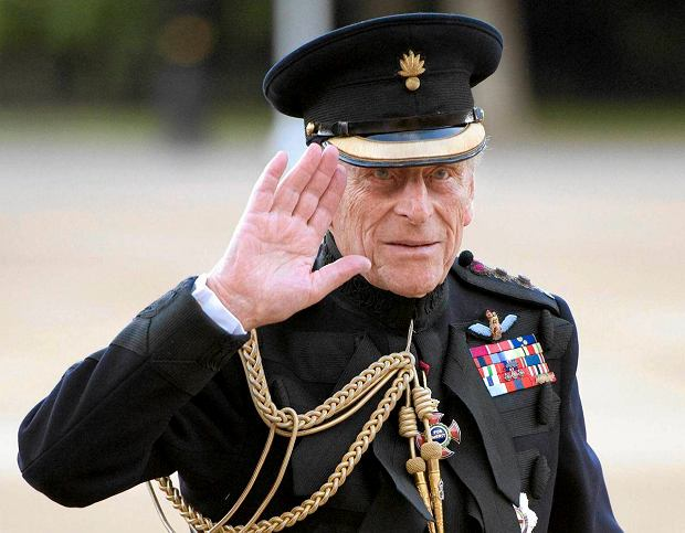 Britain's Prince Philip arrives on the eve of his 90th birthday to take the salute of the Household Division Beating Retreat on Horse Guards Parade in London June 9, 2011. REUTERS/Paul Edwards/Pool (BRITAIN - Tags: ROYALS HEADSHOT) SLOWA KLUCZOWE: :rel:d:bm:GF2E7691SLS01