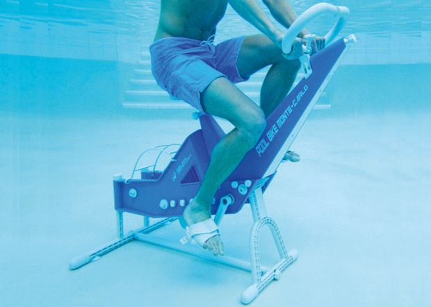 rowerek do treningu w basenie