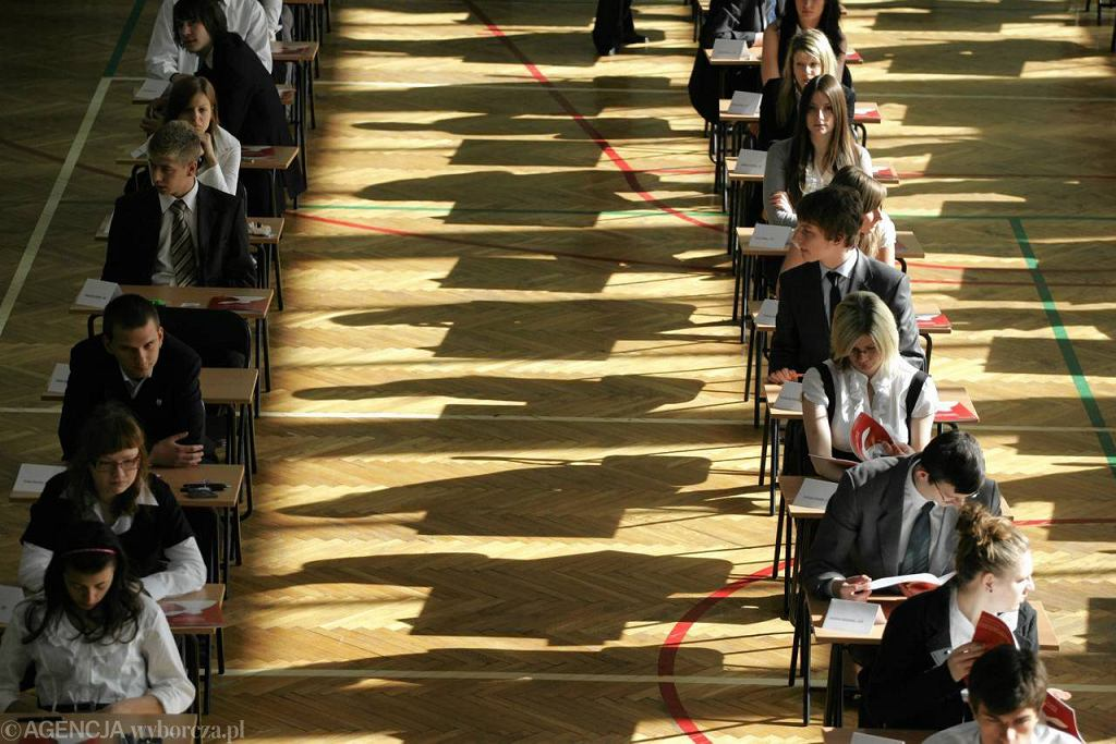 Egzamin maturalny z matematyki w LO VI w maju 2010 r.