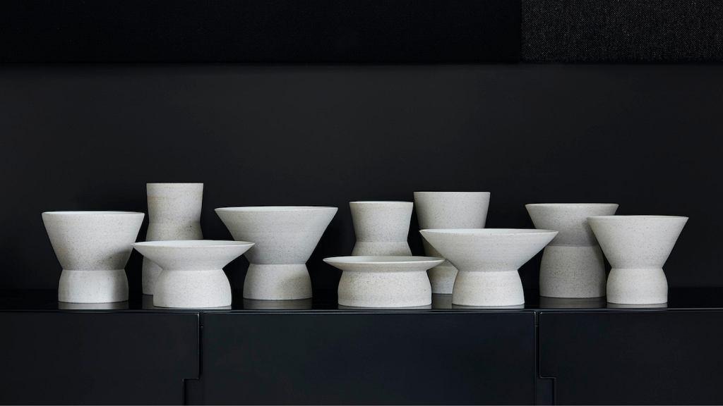 Kolekcja naczyń 'Bauhaus100', którą zaprojektowała Alicja Patanowska.