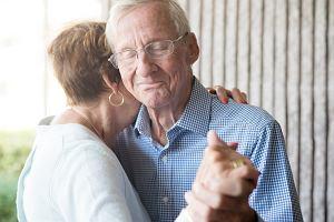 Fale elektromagnetyczne mogą pomóc w leczeniu alzheimera. Chorzy nie chcieli oddać urządzeń po badaniu