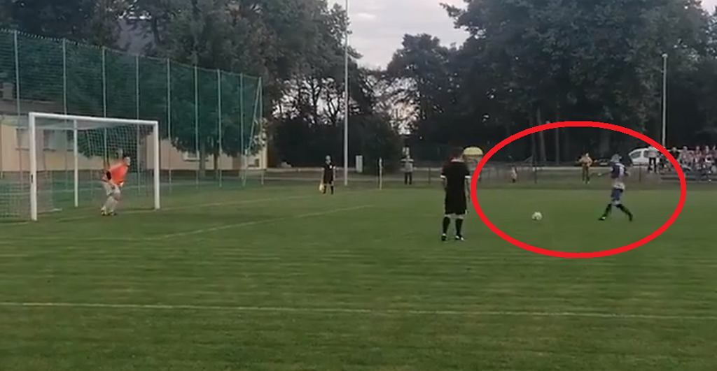 Spektakularny gol z rzutu karnego w Regionalnym Pucharze Polski!