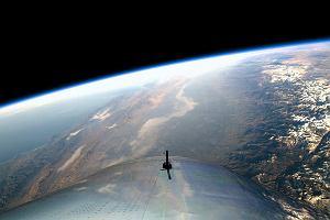 Cywilni astronauci od Bransona polecieli w kosmos. Za takie widoki turyści płacą słono. Jest kolejka