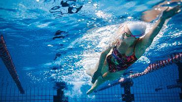 Październik 2020 - druga fala pandemii koronawirusa. Rząd PiS zamyka baseny. Sportowcy są oburzeni.