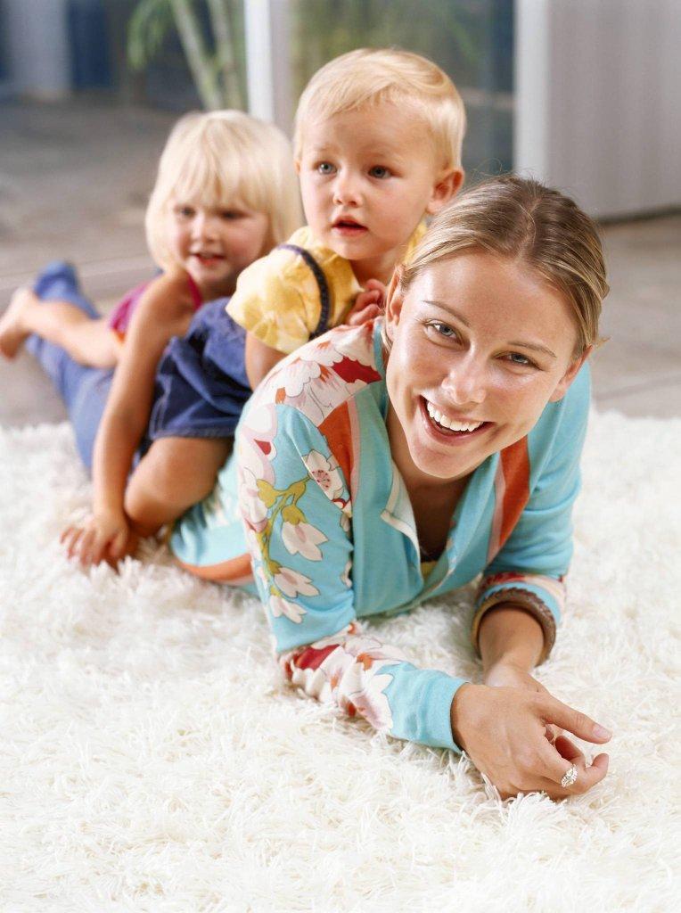 Jeśli niania ma się zajmować dwójka dzieci, musicie wziąć pod uwagę wyższe wynagrodzenie.