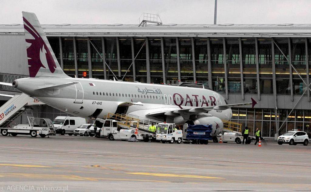 Samolot Qatar Airways na Lotnisku Chopina