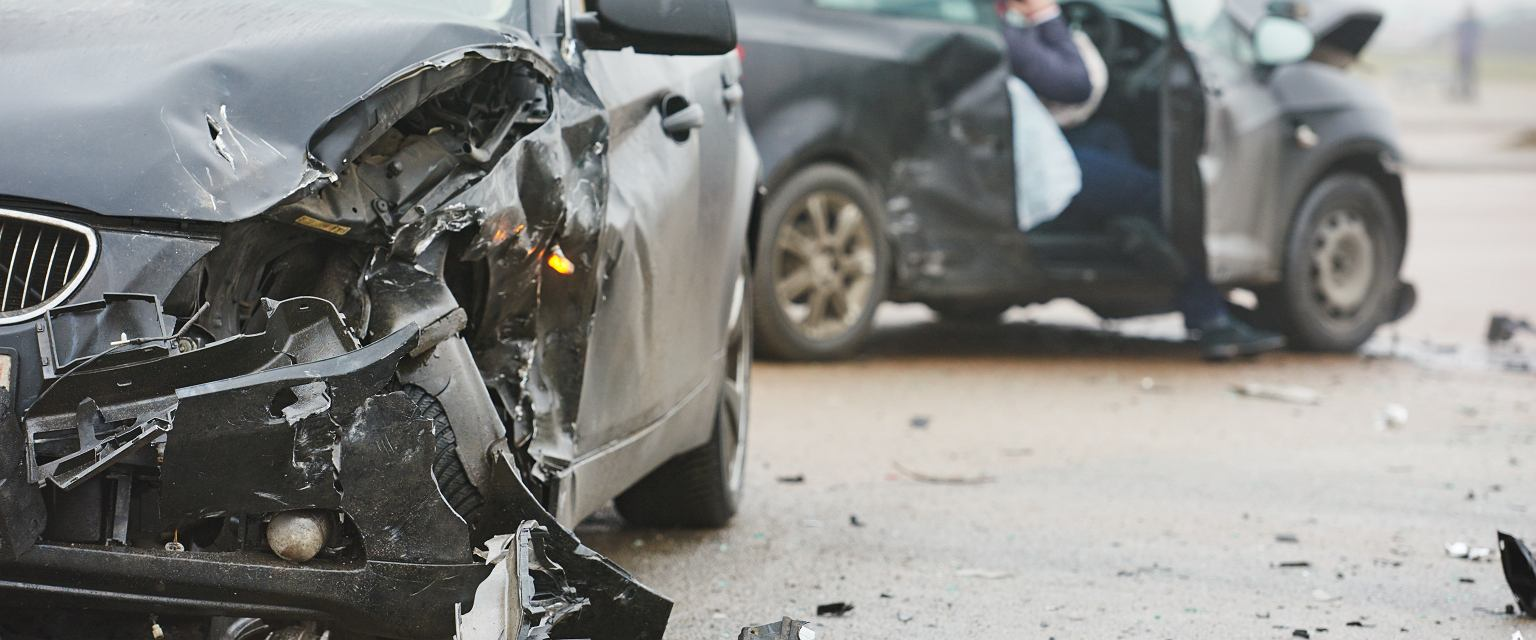 Walnęliśmy. Patrzę, z samochodu wychodzi kobieta. W ciąży i z małym dzieckiem (fot. shutterstock.com)