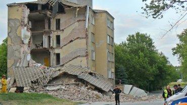 Zawalona kamienica przy ul. Kawęczyńskiej