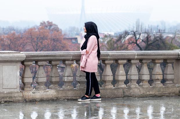 Dushanbe umawia się z dziewczyną
