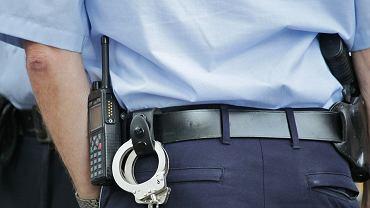 Kartuzy. Przechodzień znalazł pijanego policjanta w rowie. Mundurowy usłyszał zarzut