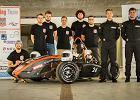 Zbudowali auto wyścigowe i chcą wystartować w międzynarodowych zawodach. Pomóż im zebrać pieniądze