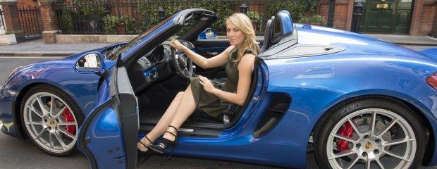 Maria Sharapova testuje Porsche Boxster Spyder