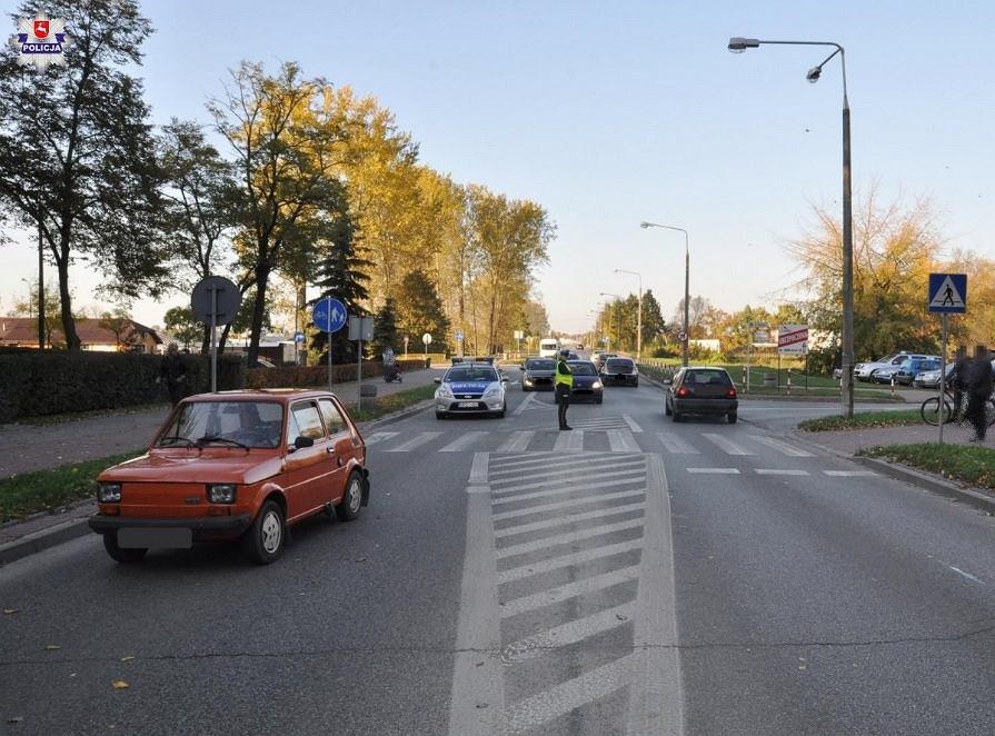 97-latek potrącił nastolatków na pasach