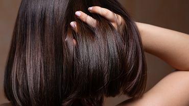 Modne fryzury 2020 damskie średnie