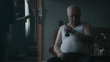 Spot utrzymany w klimacie 'Domu złego' ma nauczyć Polaków, jak nie postępować ze śmieciami