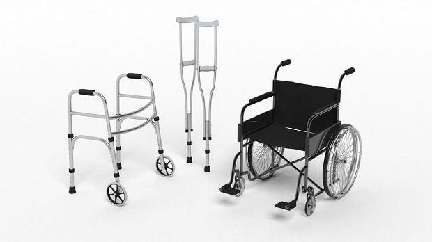 Balkoniki, wózki, kule... Każdy sprzęt, który pozwala na choćby częściowe usamodzielnienie, warto wypróbować
