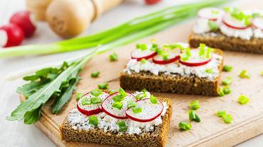 Wiosenne kanapki dla dzieci- jak przekonać najmłodszych do jedzenia warzyw? Zdjęcie ilustracyjne