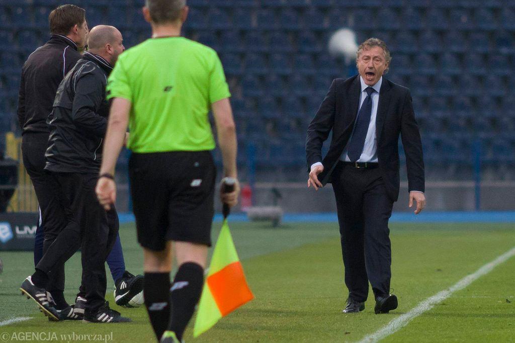 Ryszard Tarasiewicz (z prawej) podczas meczu z Ruchem Chorzów