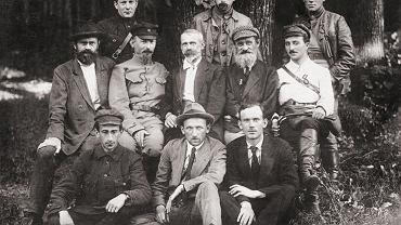 Tymczasowy Komitet Rewolucyjny Polski (Polrewkom). W środkowym rzędzie od lewej: Iwan Skworcow, Feliks Dzierżyński (najpewniej rządziłby we wcielonej do ZSRR Polskiej Republice Socjalistycznej), Julian Marchlewski i Feliks Kon