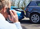 Kierowcy coraz mniej płacą za polisy OC. Ale nowa wojna cenowa ubezpieczalni odbije się czkawką