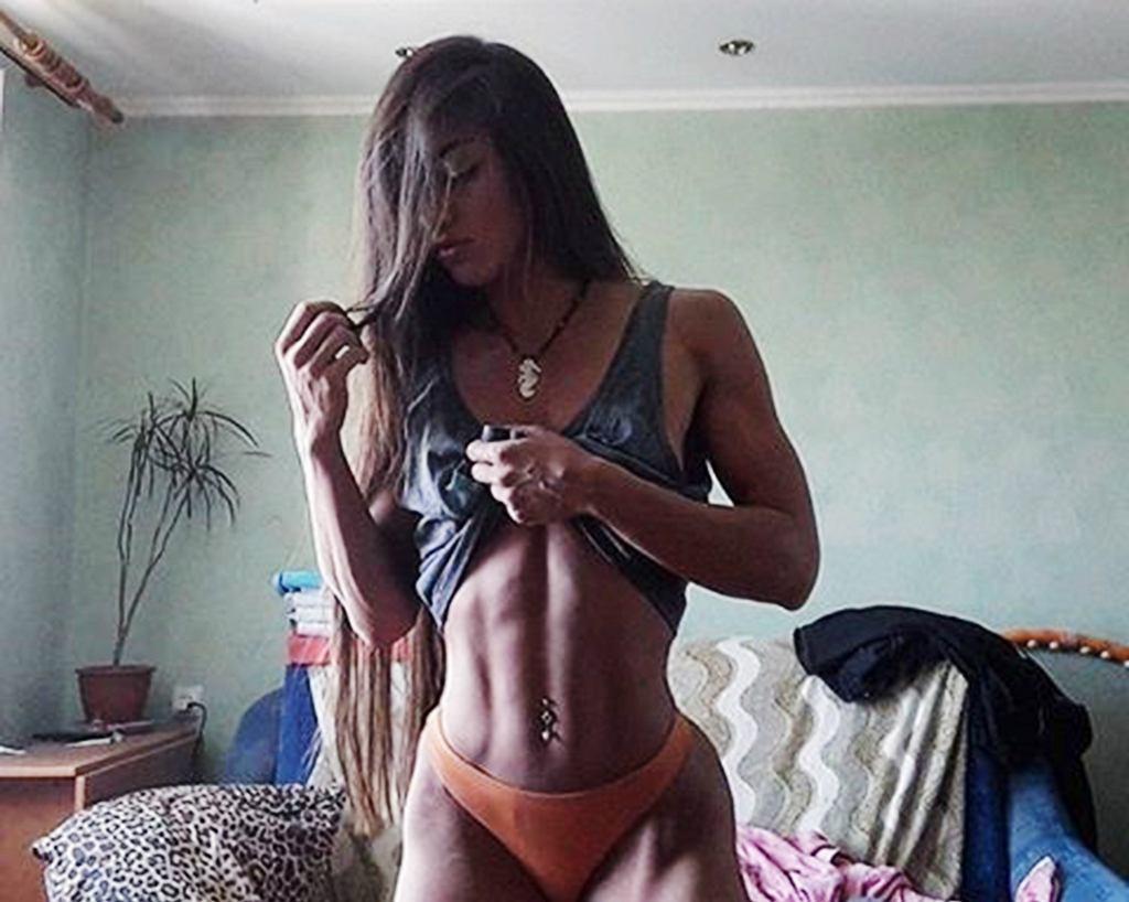 Jest modelką fitness. Ma tak muskularne uda, których zazdrości jej niejeden kulturysta