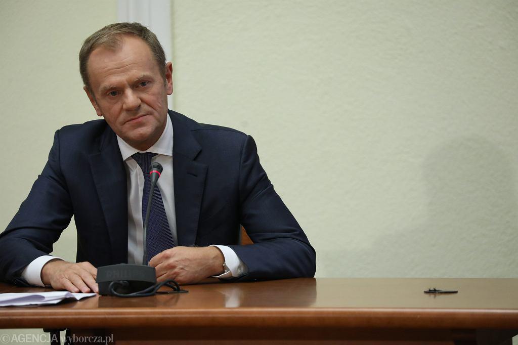 Przewodniczący Rady Europejskiej Donald Tusk przed komisja ds. afery Amber Gold. Warszawa, 5 listopada 2018