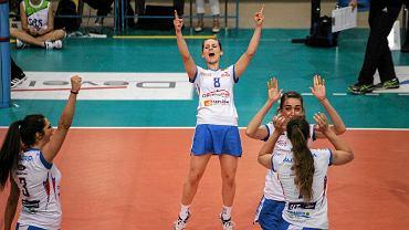 Adrianna Budzoń (nr 8) w meczu Developres SkyRes Rzeszów - Nafta Piła 3:2
