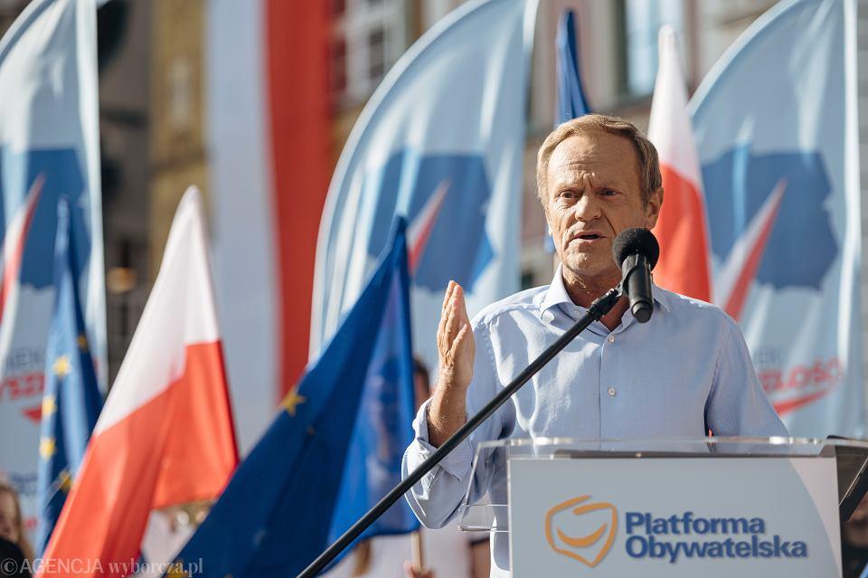 Przewodniczący PO Donald Tusk podczas wiecu w Gdańsku, 19.07.2021