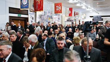 Spotkanie tzw. Platformy Oburzonych w historycznej Sali BHP Stoczni Gdańsk, zorganizowane przez Solidarność oraz Pawła Kukiza