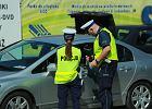 Andrzej Duda podpisał ustawę. Mandat płatny kartą lub telefonem u policjanta. Już w sierpniu będzie to możliwe