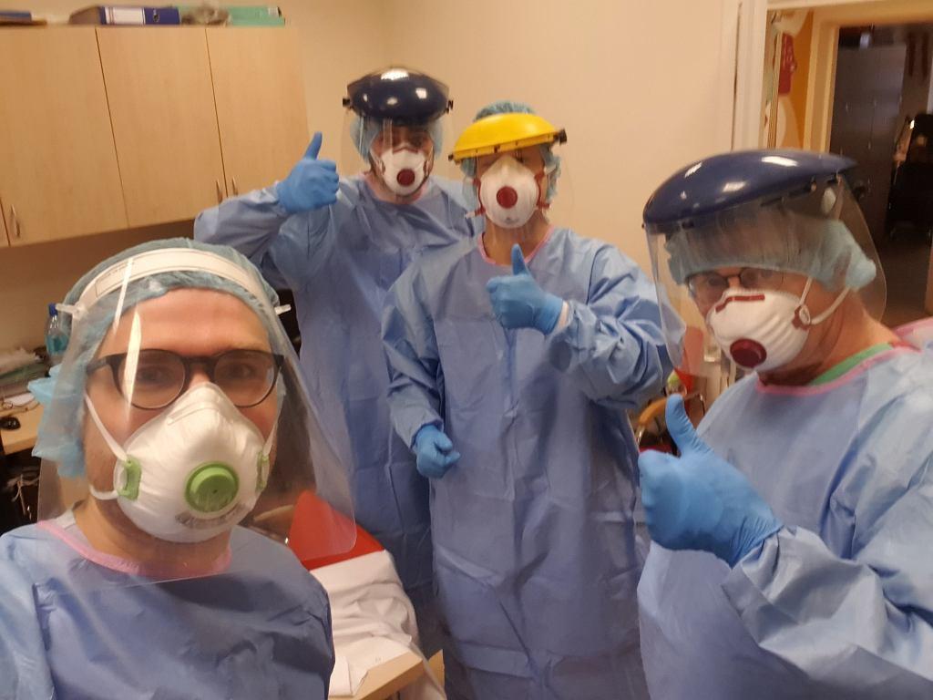 Pracownicy ochrony zdrowia podczas dyżuru