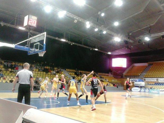 Basket Gdynia - Widzew 80:65. Łodzianki przegrały ważny mecz
