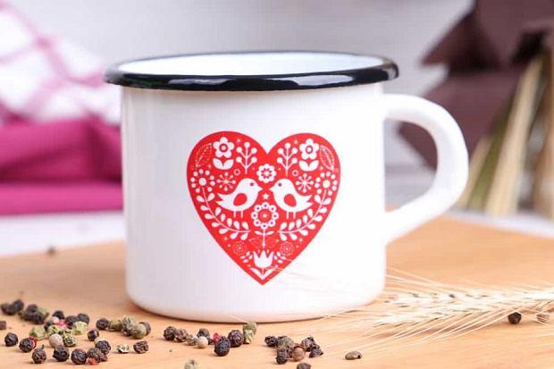 Kubki do herbaty i kawy w oryginalne wzory - najmodniejsze modele