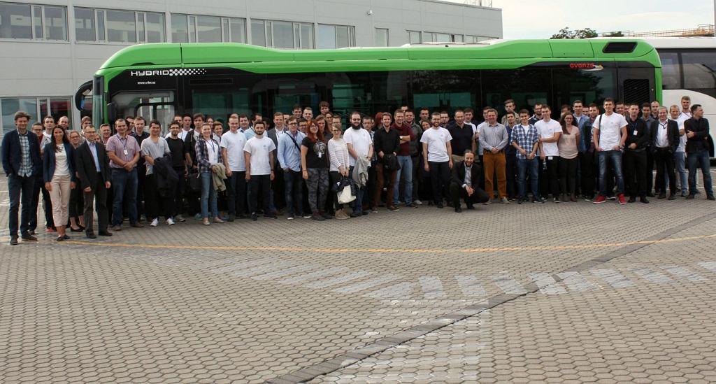 Studenci uczestniczący w programie praktyk Volvo Group IT w 2016 roku