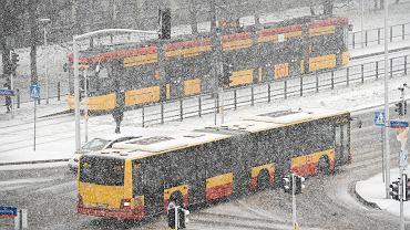 Ostrzeżenia RCB przed silnym wiatrem i śniegiem (zdj. ilustracyjne)