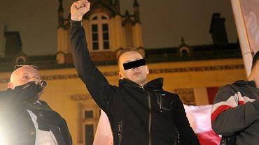 Były ksiądz Jacek M. podczas podczas marszu skrajnych prawicowców wzorujących się na nazistach. Wrocław, 11 listopada 2016