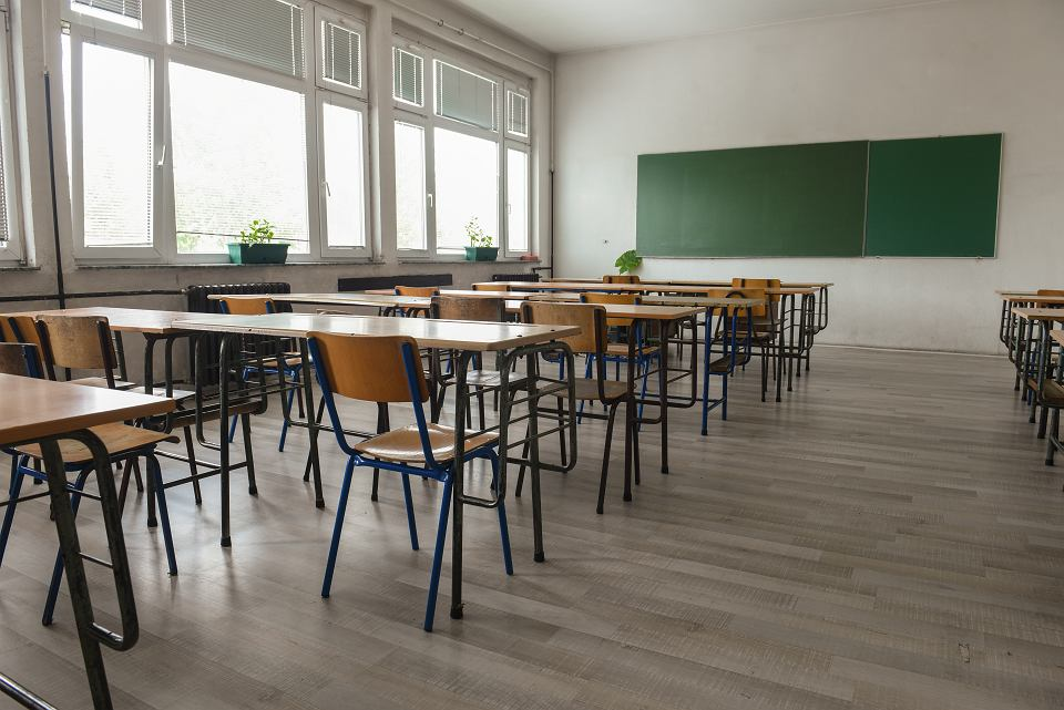 Koronawirus. Kiedy szkoły otworzą drzwi dla wszystkich uczniów?