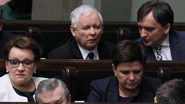 Minister sprawiedliwości Zbigniew Ziobro i prezes PiS Jarosław Kaczyński podczas posiedzenia Sejmu.