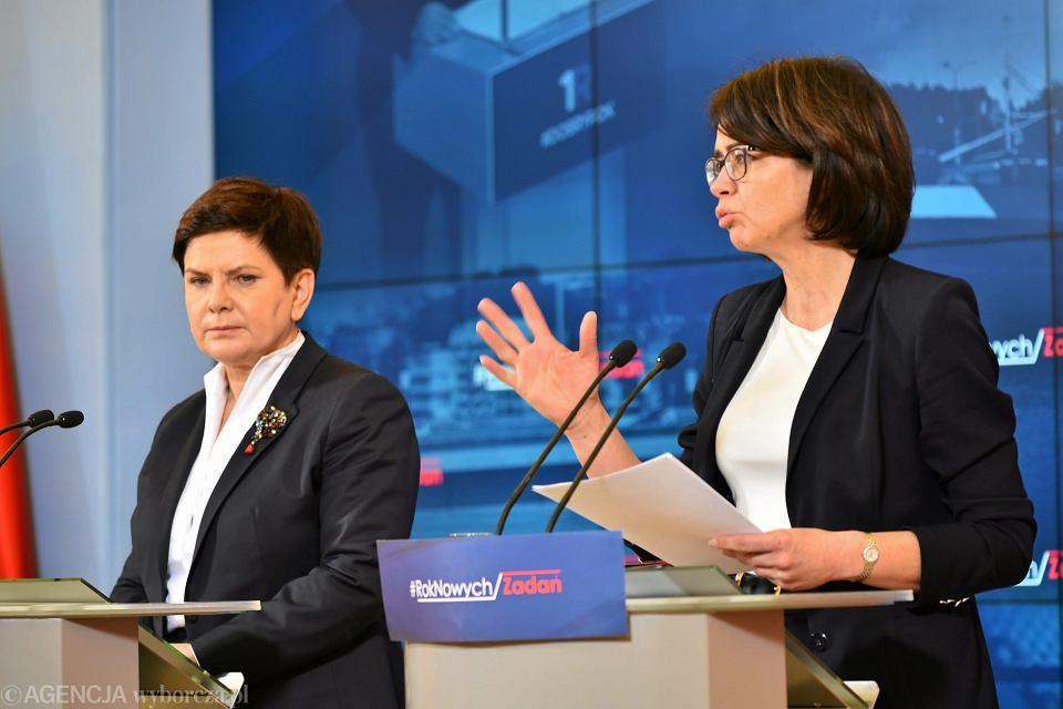 Gazeta Wyborcza. Premier Beata Szydło i minister cyfryzacji Anna Streżyńska podczas przeglądu resortów, 1 lutego 2017 r.