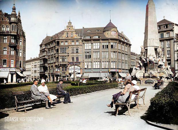 Zdjęcie numer 17 w galerii - Zdjęcia przedwojennego i powojennego Gdańska w kolorze. Zieleń drzew i czerwone cegły Bazyliki Mariackiej